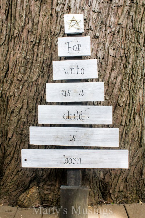 scrap wood Christmas tree (via martysmusings)