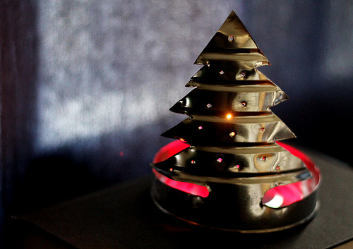 coffee tin Christmas tree