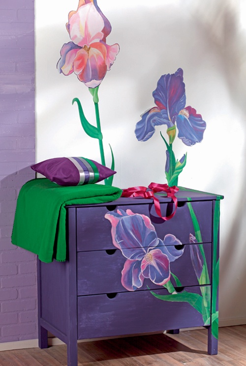 How to decorate chest of drawers for a modern bedroom - Decorating a chest of drawers ...
