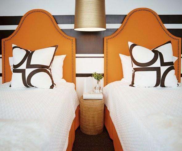 http://www.shelterness.com/pictures/orange-room-design-ideas-15.jpeg