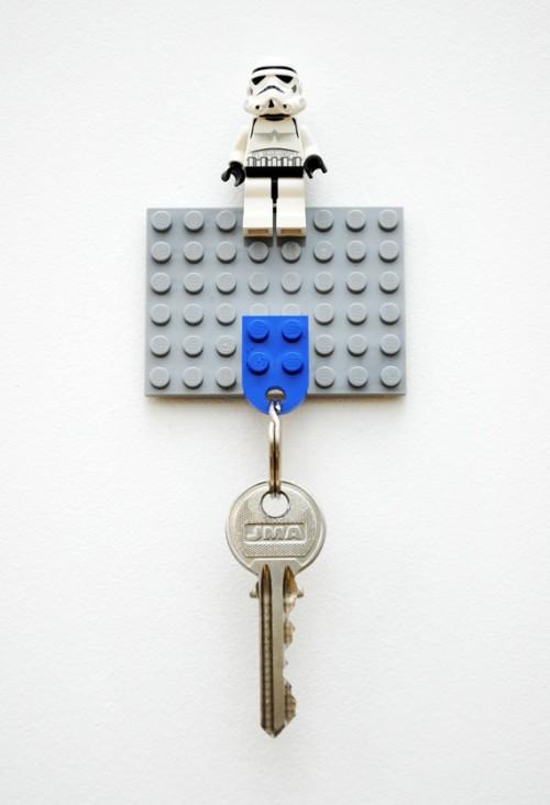 lego mini key holder (via minieco)