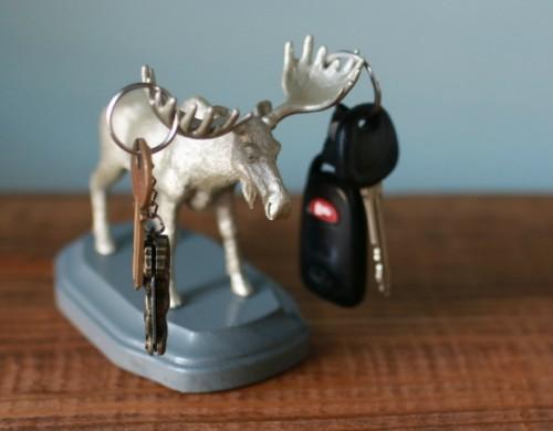 animal key holder (via ehow)