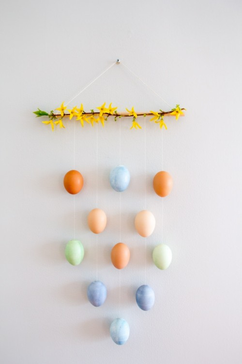 Original And Colorful DIY Easter Egg Wall Hanging