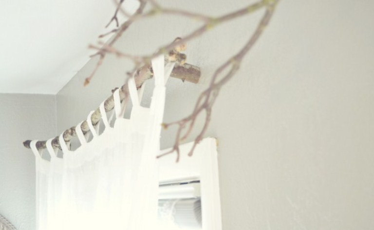 Original DIY Curtain Rods Of Tree Branches - Shelterness