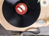 original-diy-wall-clock-from-an-old-vinyl-record-4