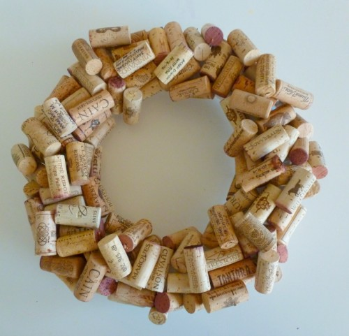 wine cork wreath (via shelterness)
