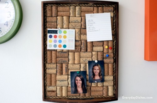 wine cork corkboard (via everydaydishes)