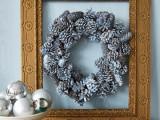 Pine Cones Holiday Wreath