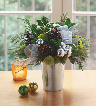 10 Cool Pinecones Arrangements Shelterness