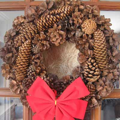10 Cozy Pinecone Wreaths To Decorate Your Home Shelterness #1: pinecone wreaths 9