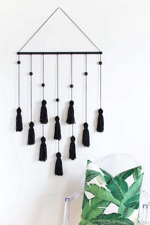 tassel and bead wall hanging (via homeyohmy)