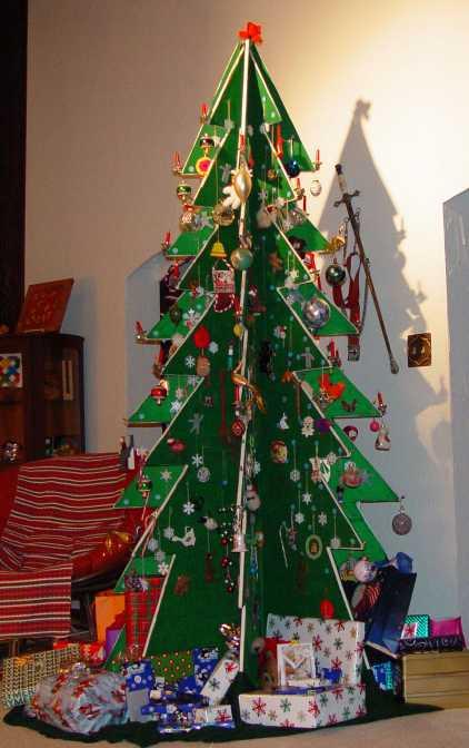 7 Cool DIY Christmas Tree Alternatives - Shelterness