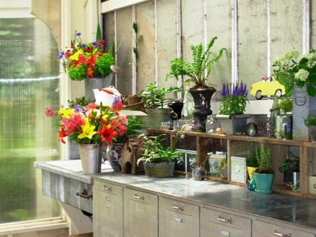 Potting bench with great kitchen cabinets, via via Shelterness