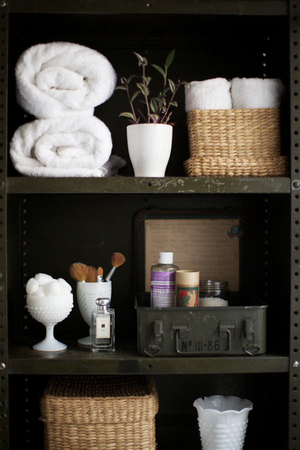 Practical bathroom storage ideas 15