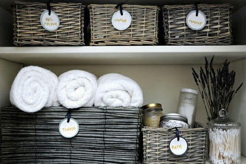 Baskets are perfect for cozy bathroom organization