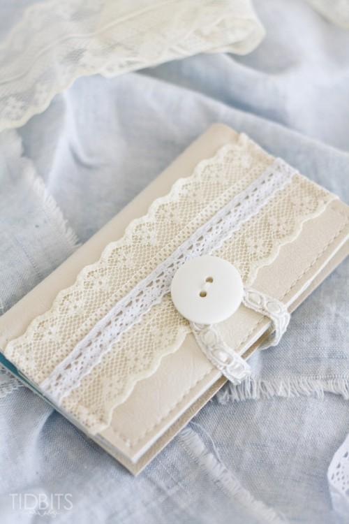 vintage lace card holder (via tidbits-cami)
