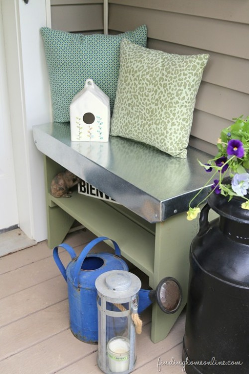 galvanized top bench (via findinghomefarms)