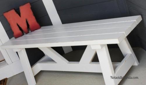 providence porch bench (via notsoidlehands)
