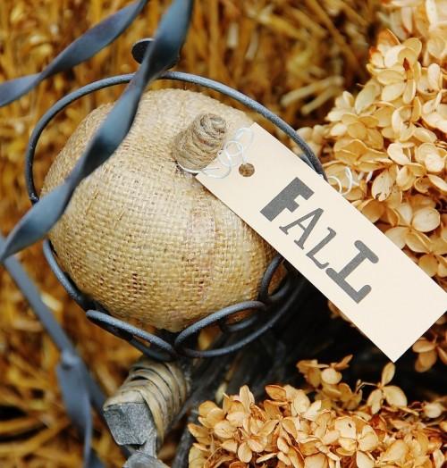 Pretty Burlap Pumpkins For Fall Decor
