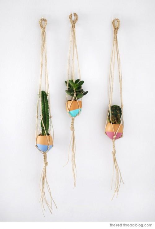 mini hanging Easter garden (via theredthreadblog)