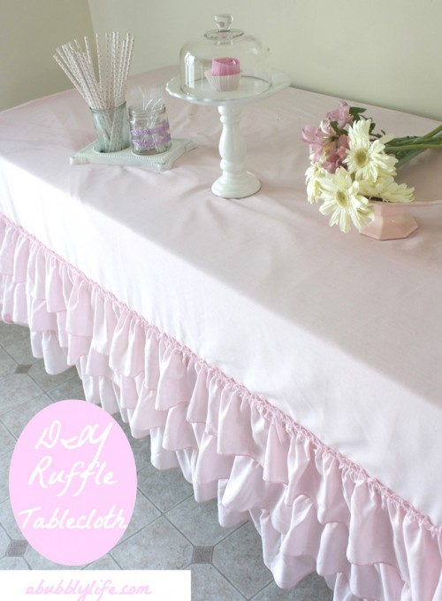 no sew ruffle tablecloth (via abubblylife)