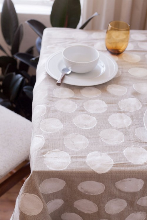 polka dot tablecloth (via rufflesandbells)