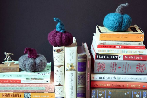 Pretty DIY Miniature Felted Pumpkins