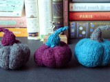 pretty-diy-miniature-felted-pumpkins-6