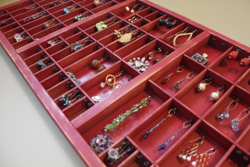 retro looking wooden jewelry organizers shelterness