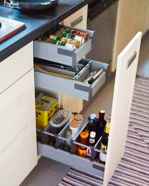 67 cool pull out kitchen drawers and shelves shelterness for Pull out drawers for kitchen cabinets
