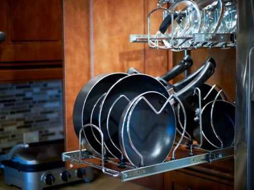 Super smart and practical frying pans organizer.