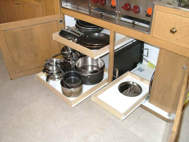 Picture of pull out kitchen drawer shelves for Pull out drawers for kitchen cabinets