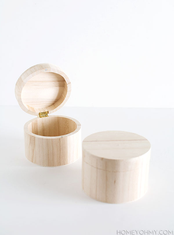 Picture Of refined diy crystal knob boxes  4
