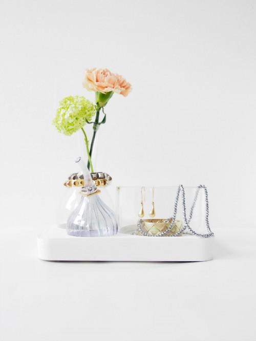 Refined DIY Jewelry Organizer From Concrete