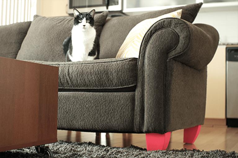 Renovating Furniture Legs To Make A Bright Detail