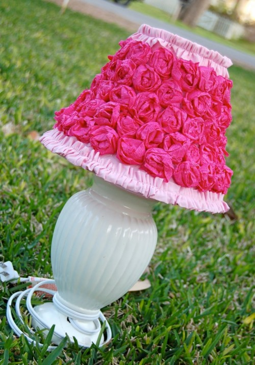 crepe paper roses lamp (via shelterness)