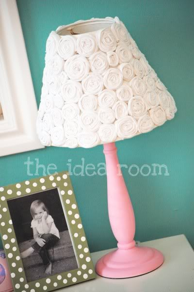 flower covered lampshade (via theidearoom)