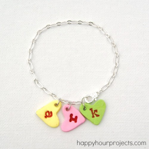 DIY heart charm bracelet (via happyhourprojects)