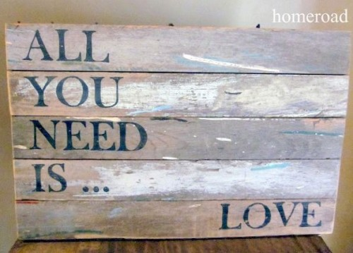 distressed love sign (via hometalk)