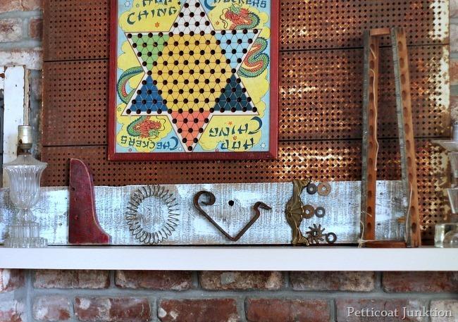 metal garbage love sign