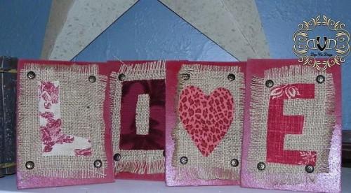love easel sign (via hometalk)