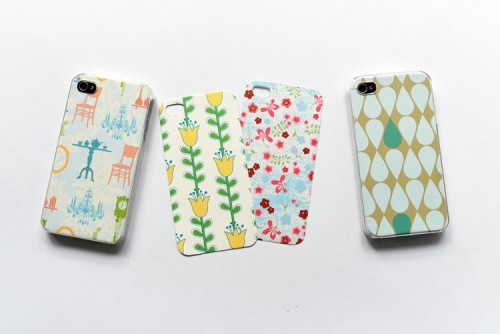 7 Romantic Spring-Inspired DIY Phone Covers