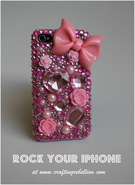 glam rhinestone phone cover (via craftingrebellion)