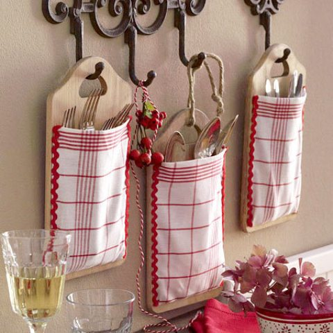 checked utensil holder