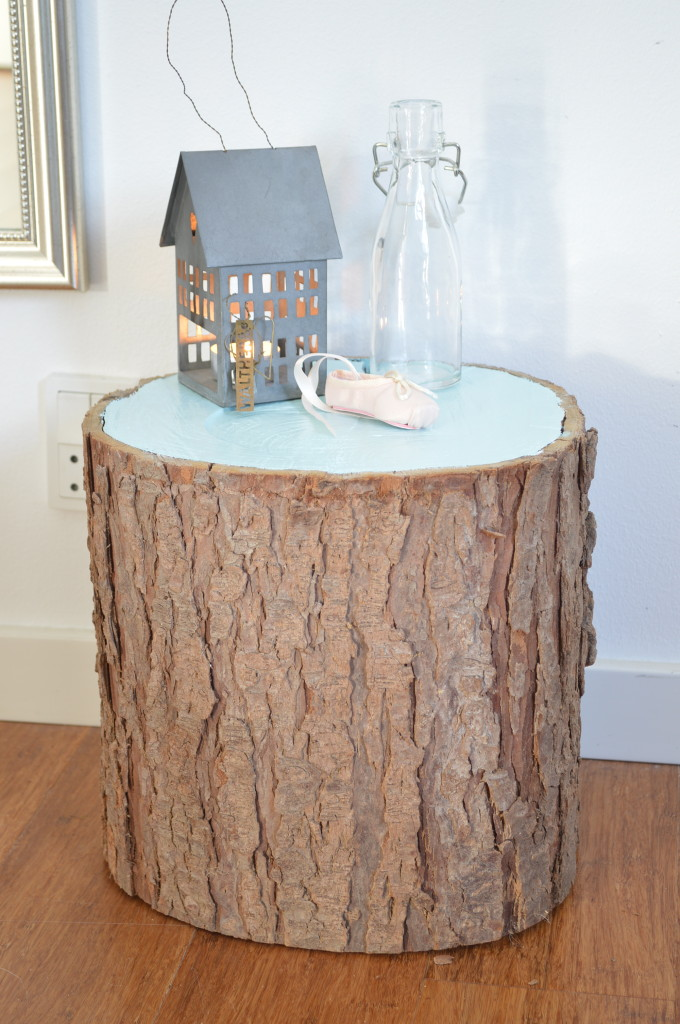 Picture of painted tree stump for Diy wood stump side table