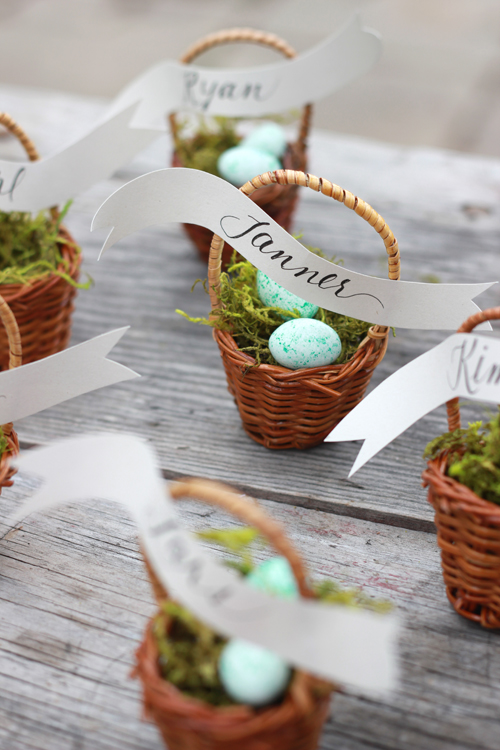 mini basket place settings (via thehousethatlarsbuilt)