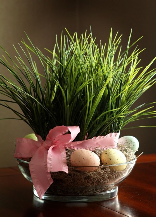 grass and eggs centerpiece (via shelterness)