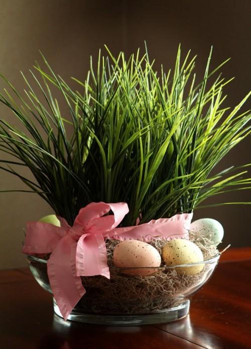 grass and eggs centerpiece (via shelterness)