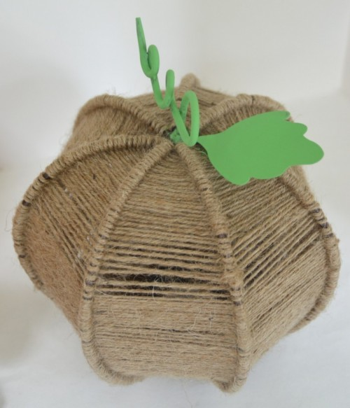 twine wrapped pumpkin (via ciburbanity)