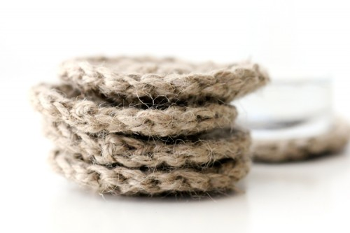 twine crocheted coasters (via deliacreates)